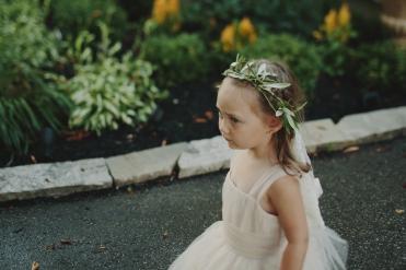 candid flower girl